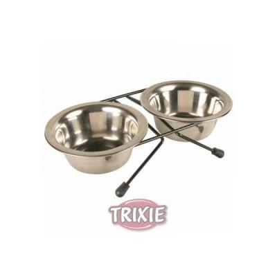 Trixie Eat On Feet...